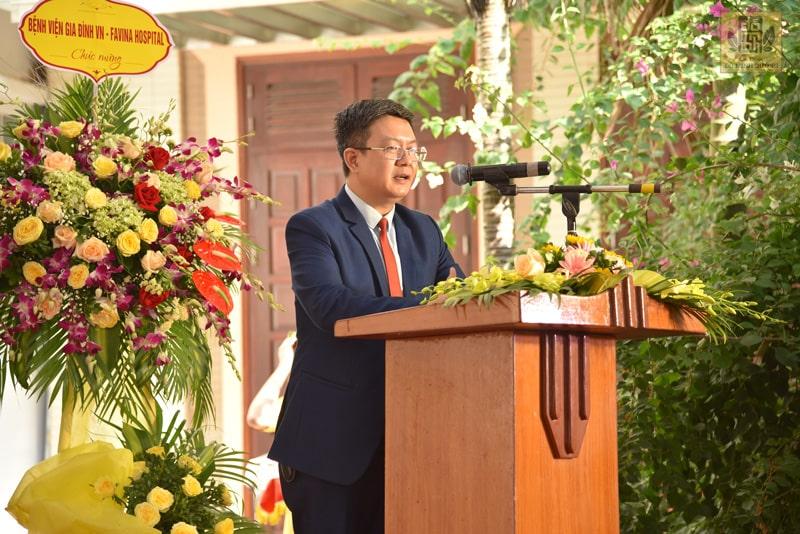 Bác sĩ Đỗ Minh Tuấn phát biểu tại lễ kỷ niệm