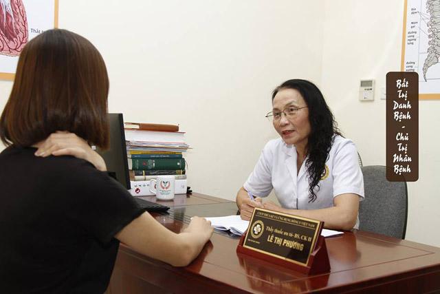 Bác sĩ Lê Phương với hơn 40 kinh nghiệm, khám, chữa bệnh
