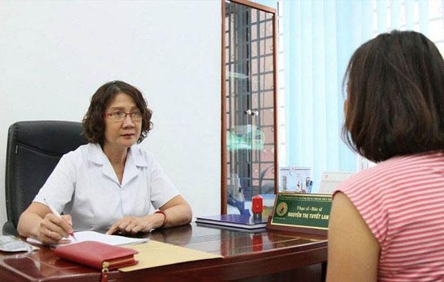 Bác sĩ Nguyễn Thị Tuyết Lan đã có hơn 40 năm kinh nghiệm khám chữa bệnh