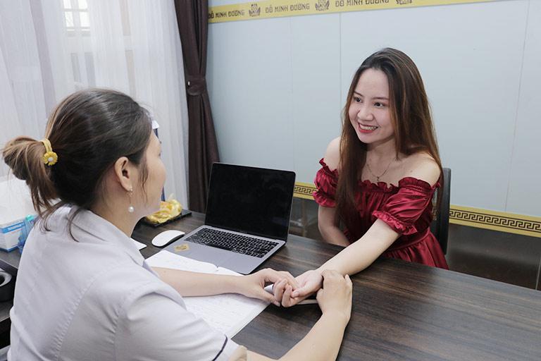 Chị Hương Ly chữa bệnh khô âm đạo, giảm ham muốn nữ tại Đỗ Minh Đường