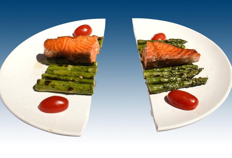 Chia nhỏ bữa ăn để ngăn bệnh tái phát