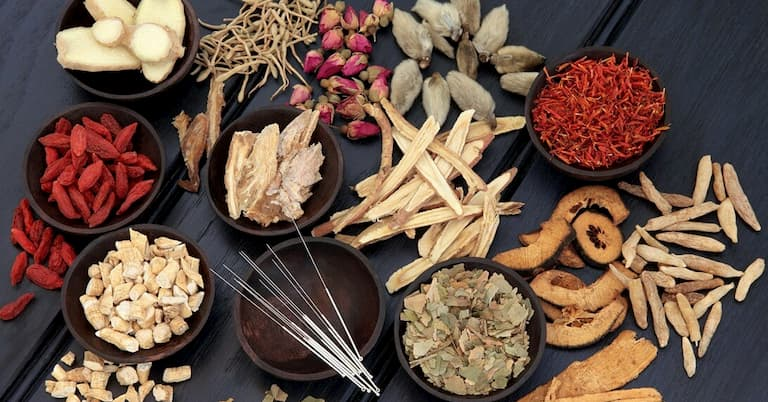 Đông y là phương pháp được nhiều người sử dụng để chữa bệnh viêm loét dạ dày