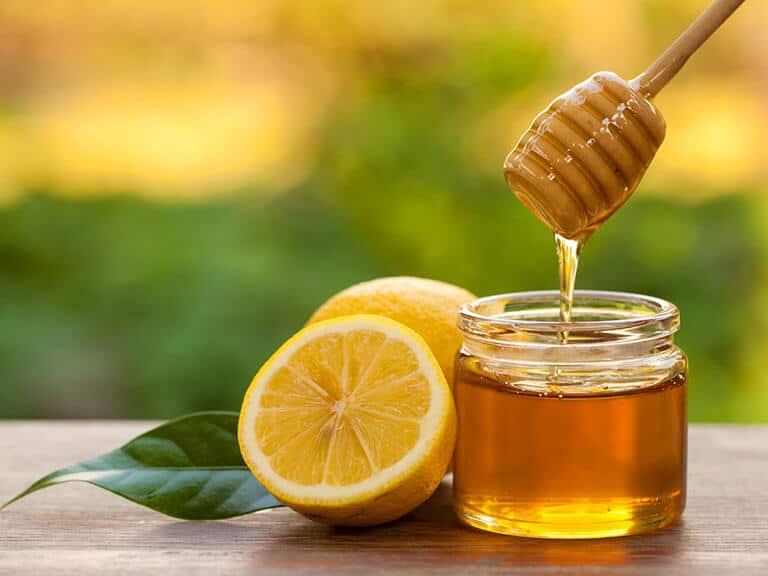 Kết hợp mật ong và chanh sẽ làm tăng hiệu quả điều trị đau dạ dày cho bà bầu