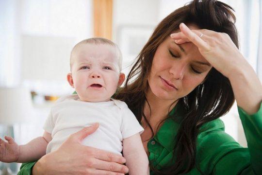 Bị lòi dom sau khi sinh khiến sản phụ đau đớn, mệt mỏi