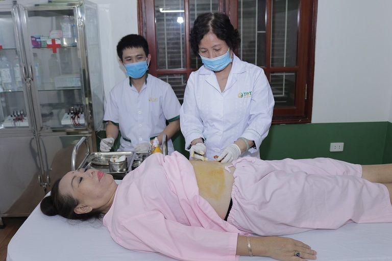 NS Thu Hà chữa dạ dày bằng thuốc kết hợp với cấy chỉ