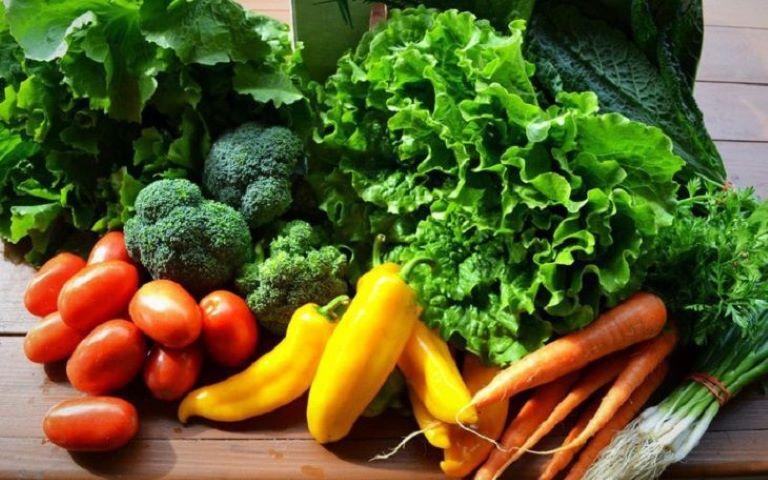 Thêm các thực phẩm giàu chất xơ vào chế độ ăn uống giúp giảm táo bón