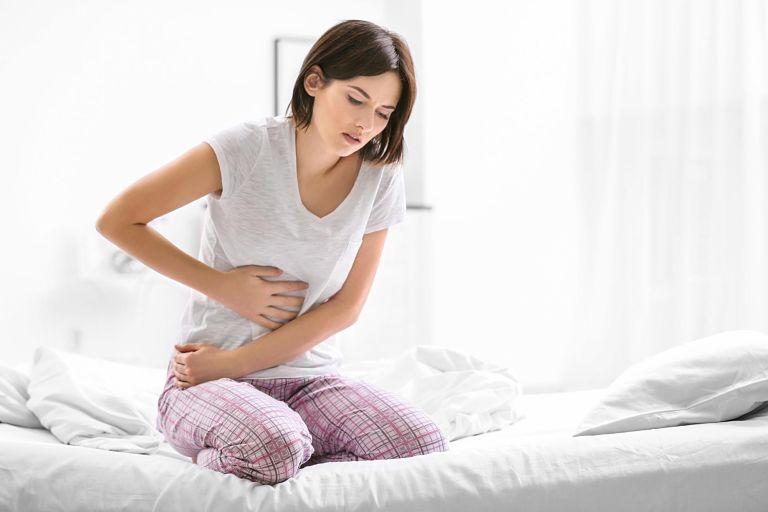 Hội chứng ruột kích thích gây ra tình trạng đau bụng, đầy hơi, khó chịu