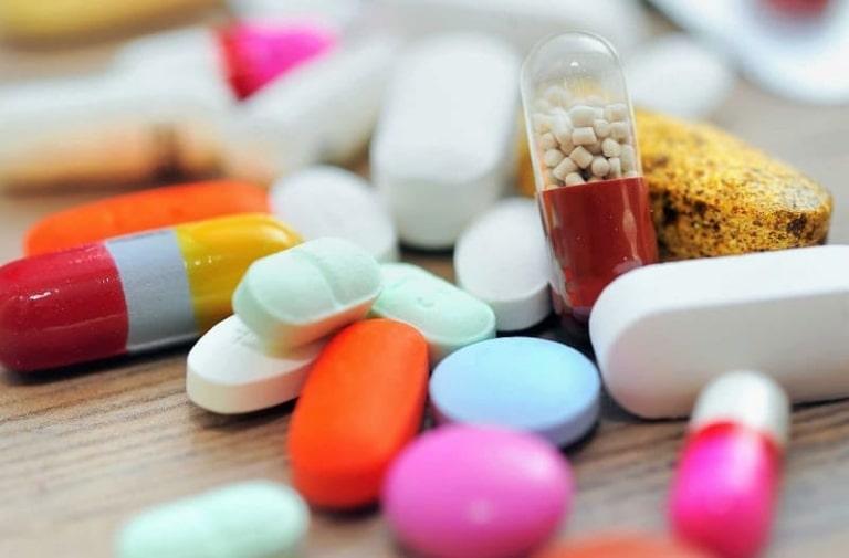 Người bệnh cần được sự cho phép của bác sĩ trước khi sử dụng thuốc Tây y