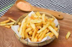 Viêm đại tràng không nên ăn các thực phẩm chứa nhiều dầu mỡ