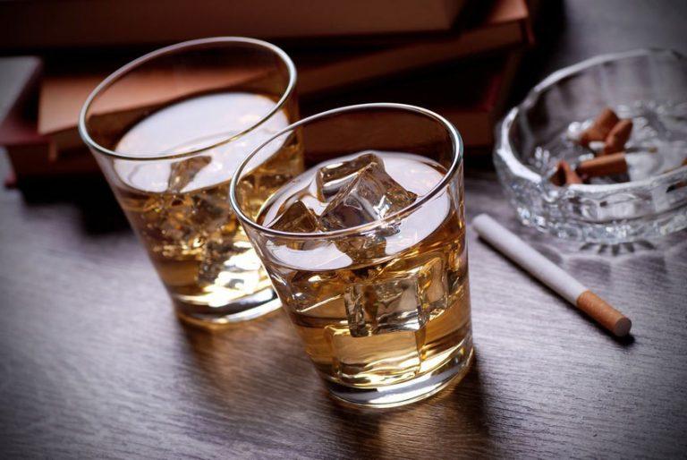 Rượu bia và các chất kích thích sẽ gia tăng triệu chứng của bệnh