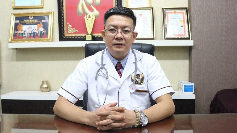Bác sĩ Đỗ Minh Tuấn là người đam mê, tiếp nối truyền thống y học dòng họ Đỗ Minh
