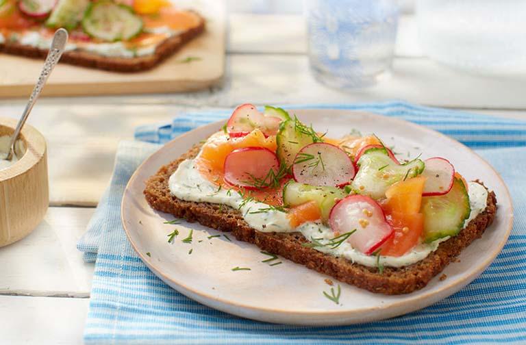 Người bị đau dạ dày không nên nhịn đói và bỏ bữa vì sẽ ảnh hưởng rất lớn đến sức khỏe