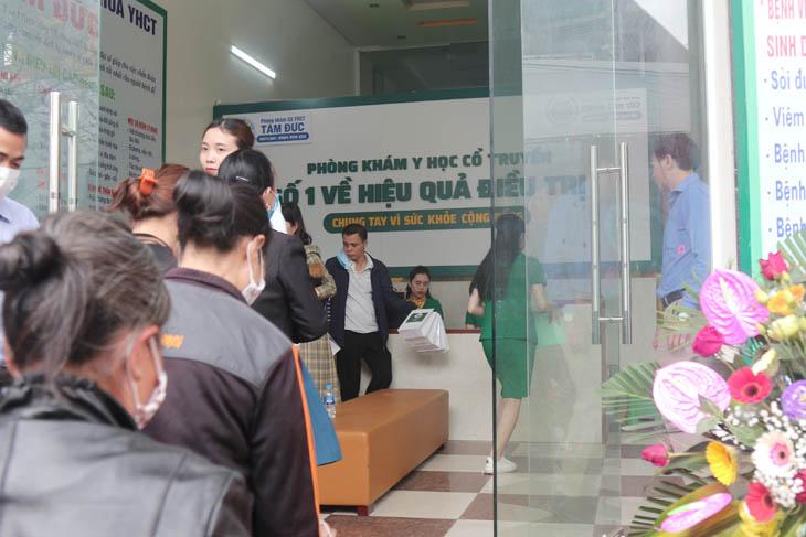 Khách hàng đăng ký khám, kiểm tra sức khỏe tại Tâm Đức Lục Nam Bắc Giang