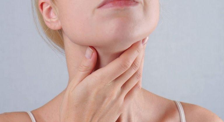 Những dấu hiệu thường gặp của người bị viêm họng