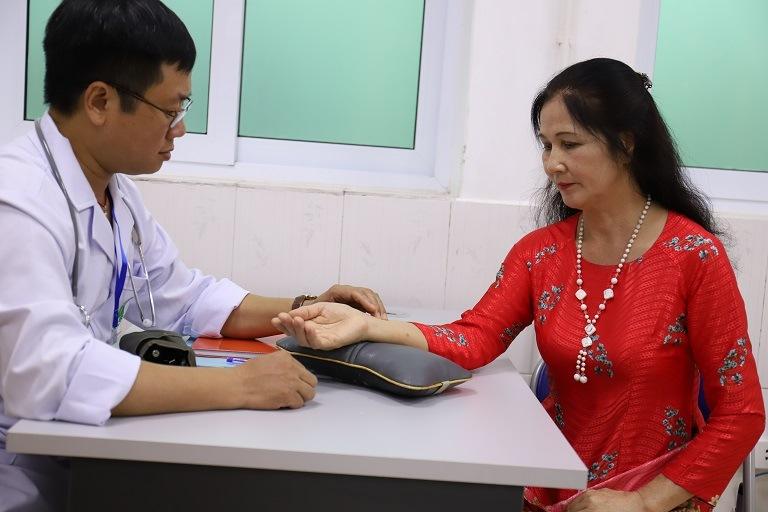 Nghệ sĩ Thanh Hiền chữa khỏi mề đay mẩn ngứa nhờ bài thuốc Quân dân 102