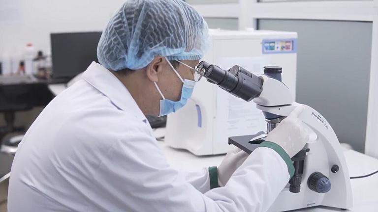 Bác sĩ Tuấn nghiên cứu kỹ lưỡng thành phần thảo dược