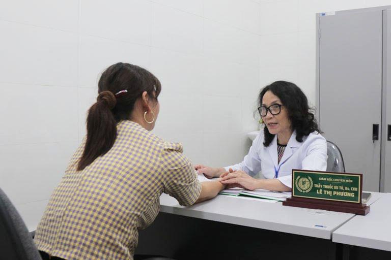 Bác sĩ Lê Phương cũng đánh giá cao về bài thuốc của bác sĩ Đỗ Thanh Hà